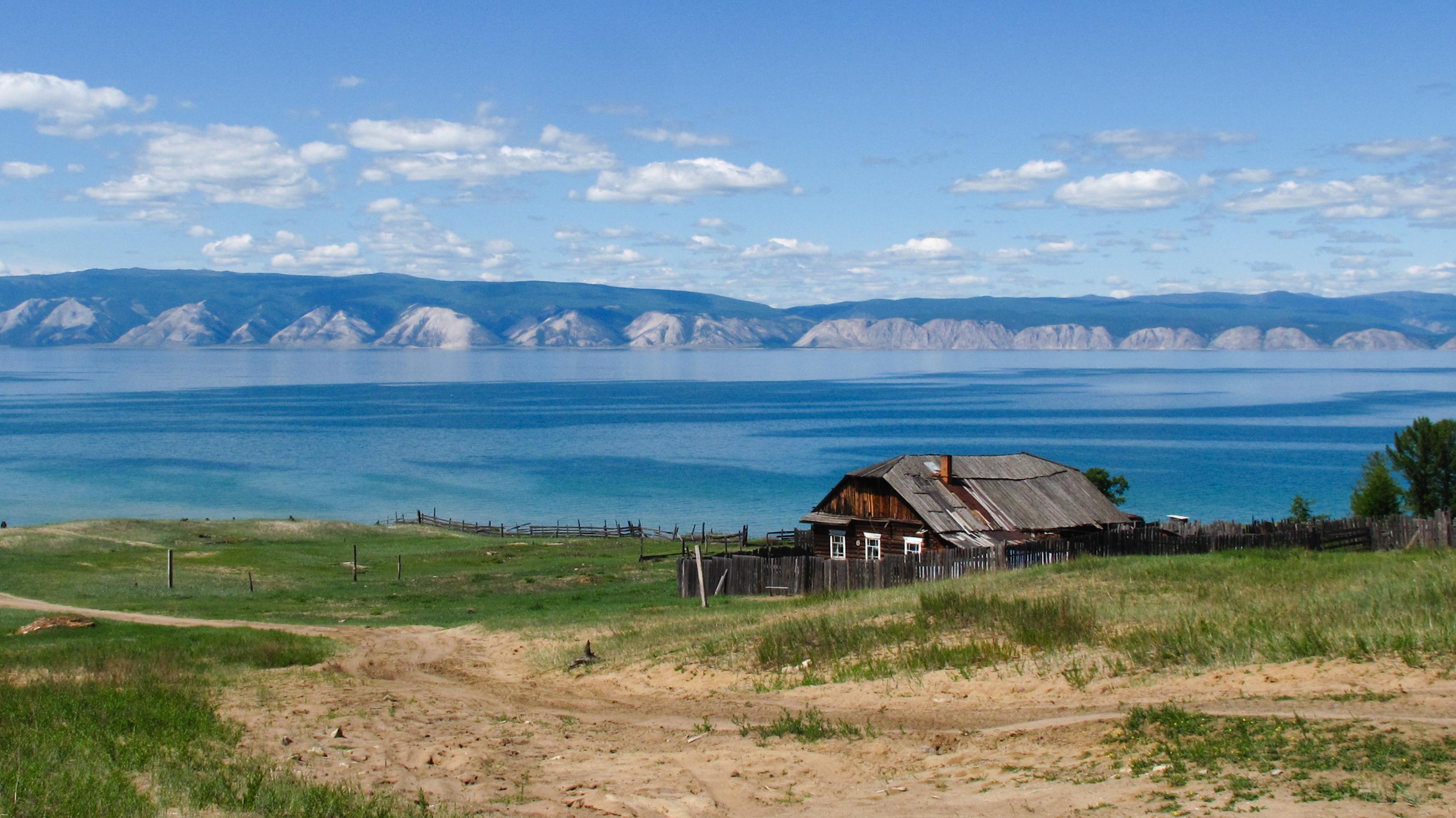 Фото домов на озере байкал